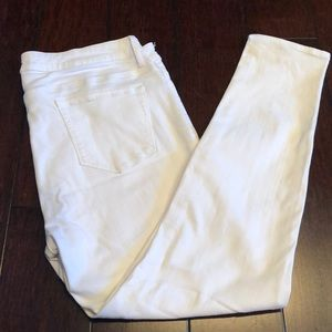 Uniqlo white skinny jeans.